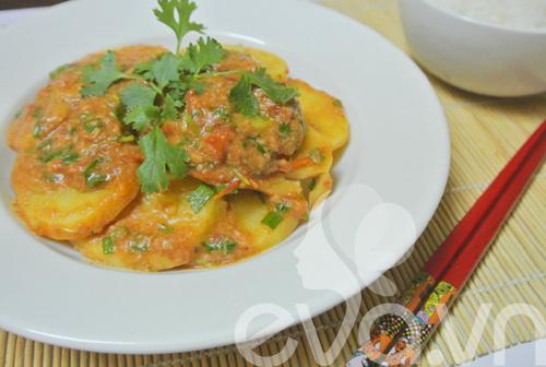 Đổi món với khoai tây xào pate - 7