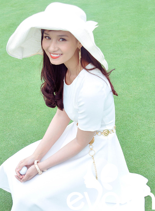 Lã Thanh Huyền ngày càng trắng nõn - 1