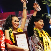 Phương Mai - Hữu Long đăng quang Siêu mẫu 2012