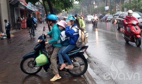 phu huynh 'phot lo' khong doi mu bao hiem cho con - 2