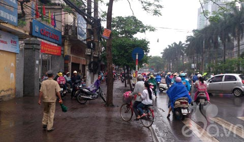 phu huynh 'phot lo' khong doi mu bao hiem cho con - 1