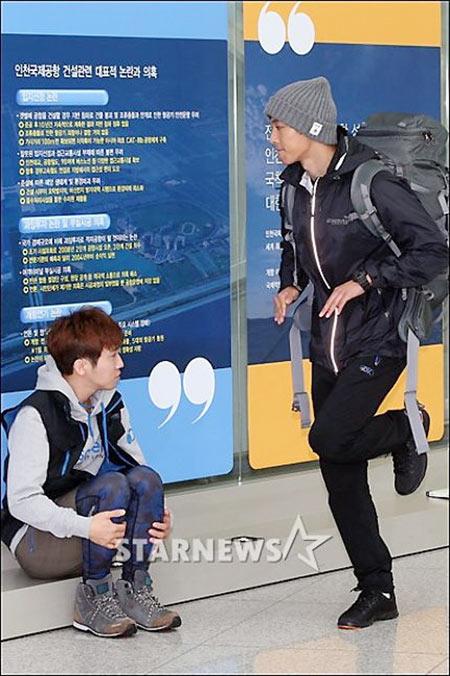 kim hyun joong, eunhyuk tren duong den vn - 2