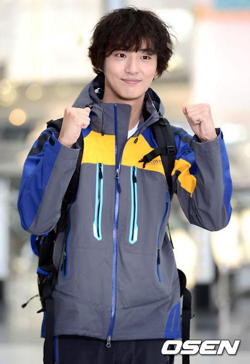 kim hyun joong, eunhyuk tren duong den vn - 6