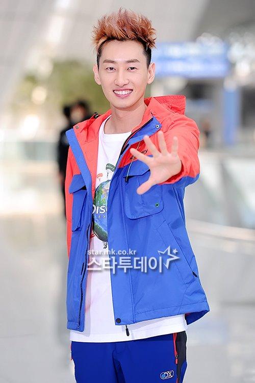 kim hyun joong, eunhyuk tren duong den vn - 9