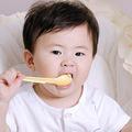 Làm mẹ - Bổ sung canxi cho trẻ dưới 1 tuổi