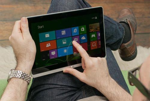 top 5 laptop lai may tinh bang chay windows 8 - 1