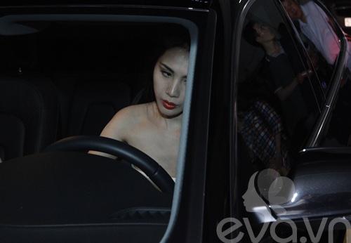 thuy tien lai xe 4 ty di lam giam khao - 3