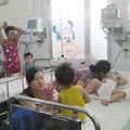 Tin tức - TP.HCM: Nắng nóng, trẻ ùn ùn nhập viện