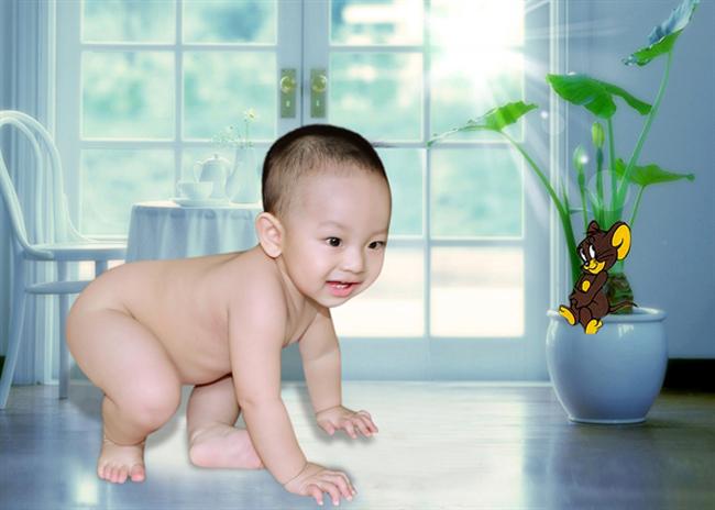 Nhóc Min ở nhà hay được gọi là Min cute vì bé dễ thương cực kỳ đó.