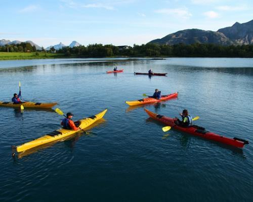 7 chon ly tuong cho dan me cheo thuyen kayak - 7