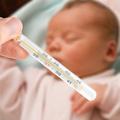 Chăm sóc bé dưới 1 tuổi bị sốt