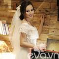 Làng sao - Vy Oanh mặc áo cô dâu trong MV mới