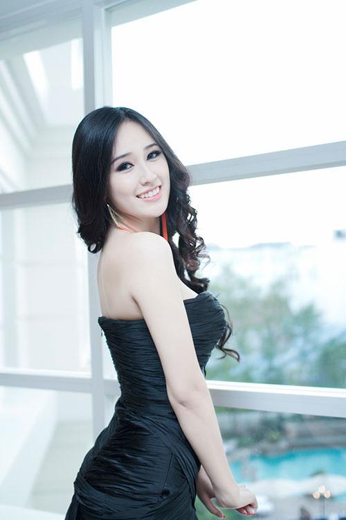 mai phuong thuy khoe da trang non - 13