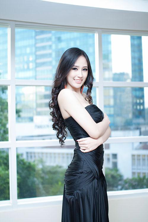 mai phuong thuy khoe da trang non - 10