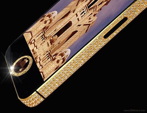 """ngam iphone 5 """"sieu khung"""" dat gia nhat hanh tinh - 1"""