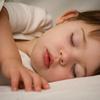 Muốn bé ngủ riêng, mẹ phải cương quyết