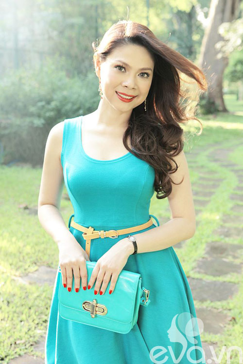 thanh thao hat cho sinh vien nghe - 2