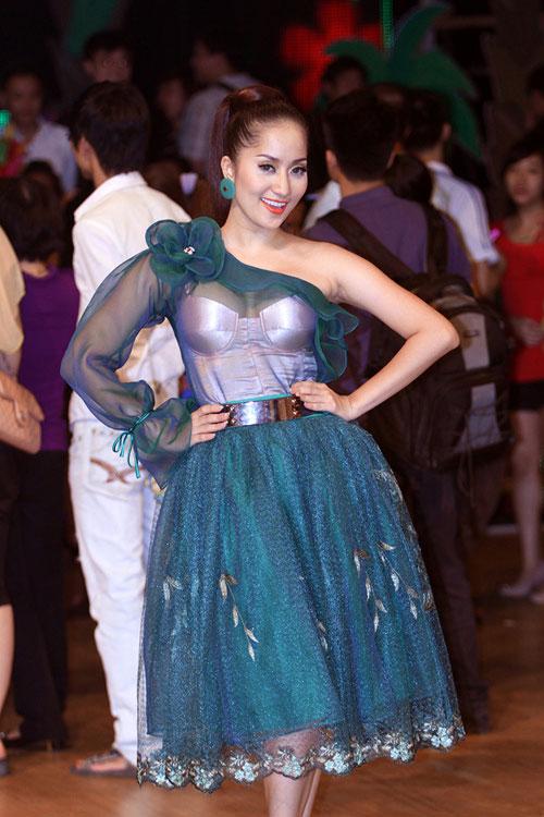 bnhv 2013: khanh thy 'lot xac' ngoan muc - 6