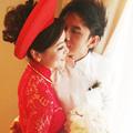 Làng sao - Đan Trường ngượng ngùng hôn cô dâu Thủy Tiên