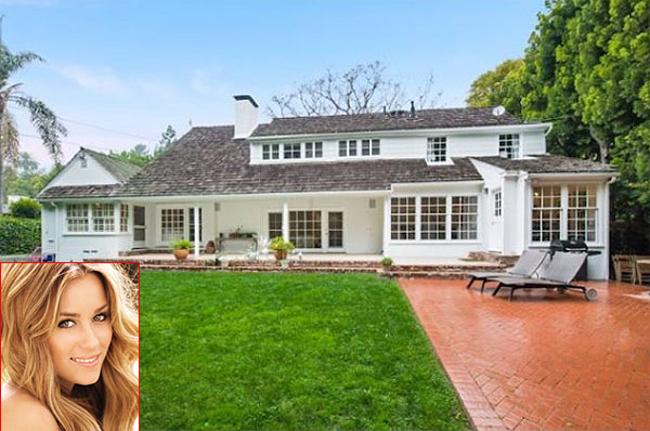 Nữ viên viên kiêm nhà thiết kế nổi tiếng Lauren Conrad mới sắm cho mình ngôi nhà giá 3,745 triệu USD ở Brentwood, Los Angeles.