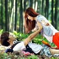 Xem & Đọc - Mỹ nam Hàn lỡ tay 'đụng chạm' vòng một người đẹp