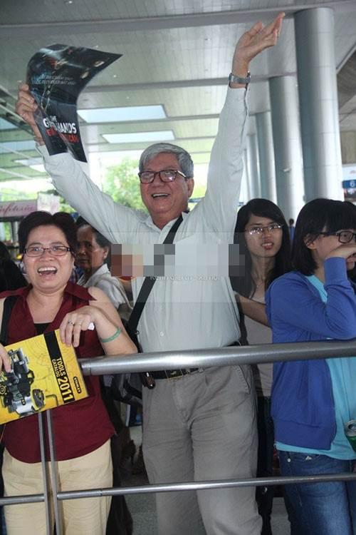 showbiz: nghe si phan phao ban giam khao - 2