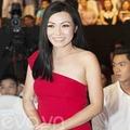 Làng sao - Phương Thanh hờ hững vai trần đi xem ca nhạc