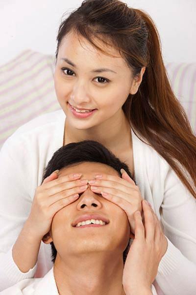 bi mat chuyen cong tac cua chong - 1
