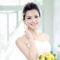 """Làng sao - Lưu Đào - """"Gái 2 con"""" vẫn là cô dâu quyến rũ"""
