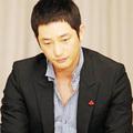 Làng sao - Park Shi Hoo lại bị kiện cáo