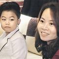 """Làng sao - """"Psy nhí"""" bị hắt hủi vì mẹ là người Việt"""