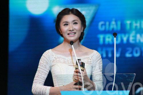 van mai huong bat ngo gianh giai htv awards - 13