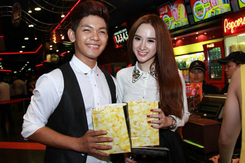 angela phuong trinh di xem phim cung trai dep - 2