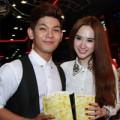 Xem & Đọc - Angela Phương Trinh đi xem phim cùng trai đẹp