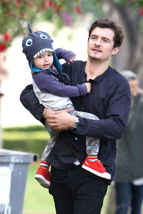 orlando bloom chat vat be nhoc mum mim flynn - 1