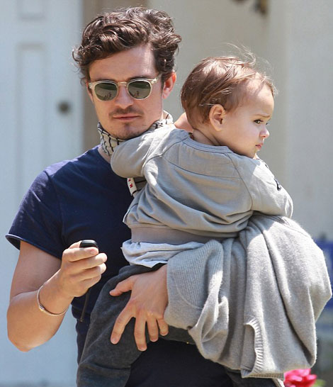 orlando bloom chat vat be nhoc mum mim flynn - 7