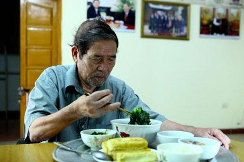 """nha van le luu: """"toi khong can thuong hai"""" - 4"""