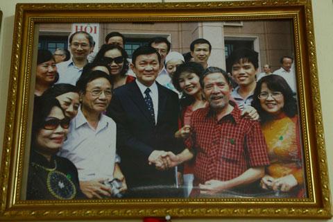 """nha van le luu: """"toi khong can thuong hai"""" - 12"""