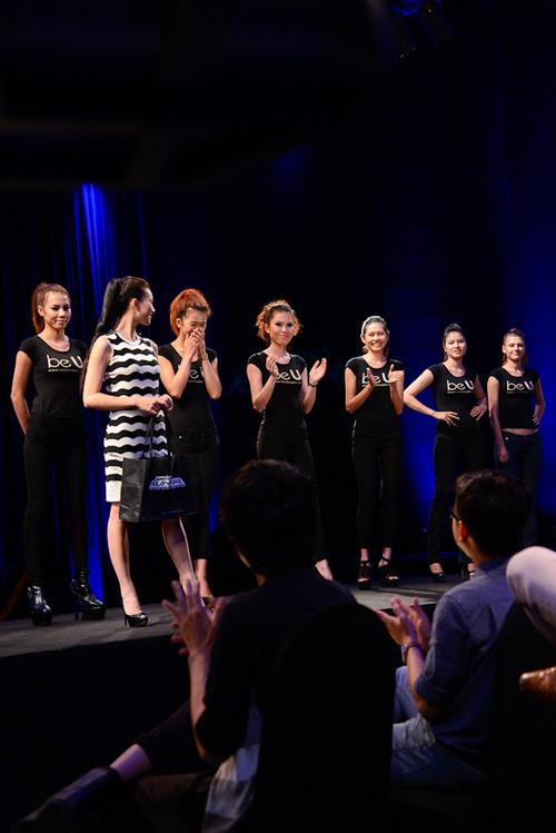 project runway thi sinh cang thang, chan dai 'thot tim' - 5