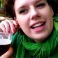 Clip Eva - Cô gái uống bia bằng lỗ tai
