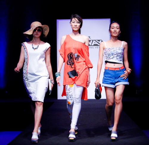 project runway loai kep, thi sinh 'vach toi' nhau - 10
