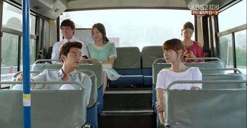 8 canh lang man tren xe buyt trong phim han - 3