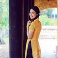 Làng sao - HH Trần Thị Quỳnh duyên dáng trong tà áo dài