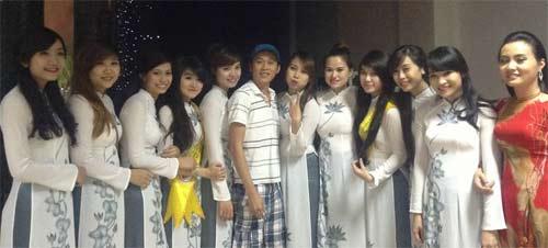 "ngoc thach gian di ""vi vu"" singapore - 8"