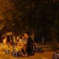 Tin tức - Ảnh: Muôn kiểu tránh nóng của người Hà Nội
