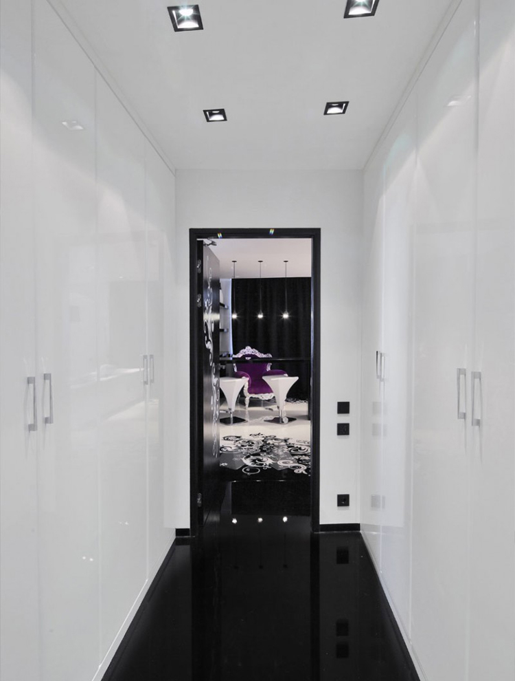 Trước khi bước vào căn hộ này, khó ai có thể ngờ được mình sắp sửa được chiêm ngưỡng một không gian đẹp 'long lanh' và rất đẳng cấp.