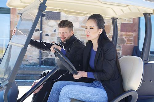 mai phuong thuy hoc lai xe golf cung trai tay - 6