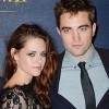 Robert Pattinson chia tay Kristen Stewart