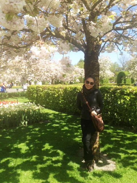 thu minh ve que chong ngam hoa tulip - 7