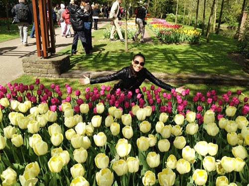 thu minh ve que chong ngam hoa tulip - 3